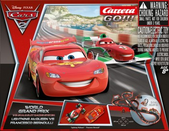 carrera c go coffret disney cars 2 world grand prix. Black Bedroom Furniture Sets. Home Design Ideas