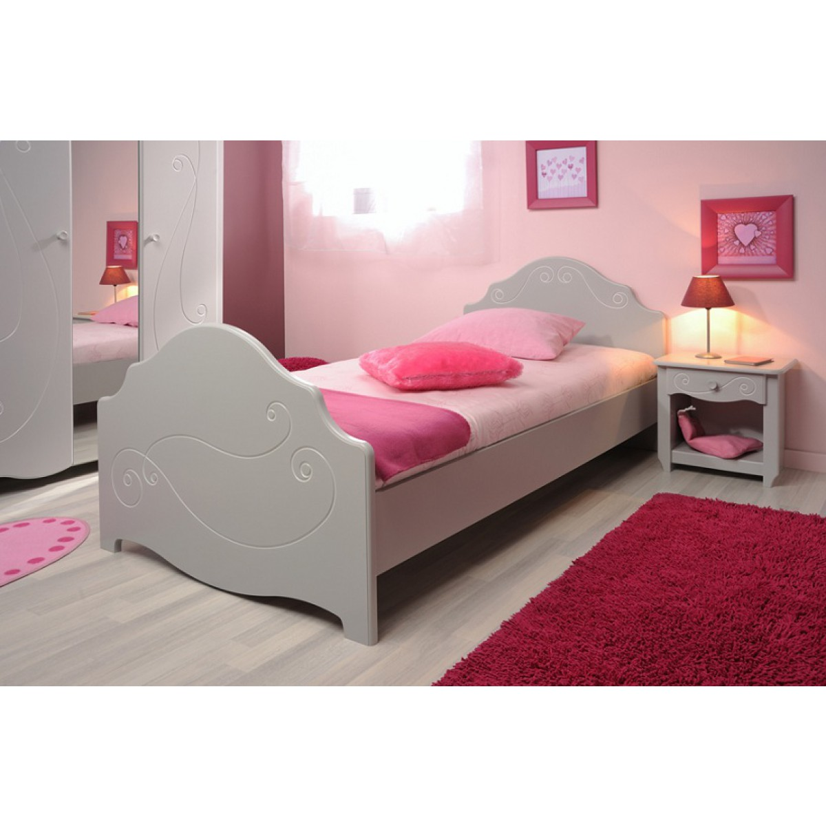 Terre lit fille 90x200 alicia gris clair de nuit for Photo de lit pour fille