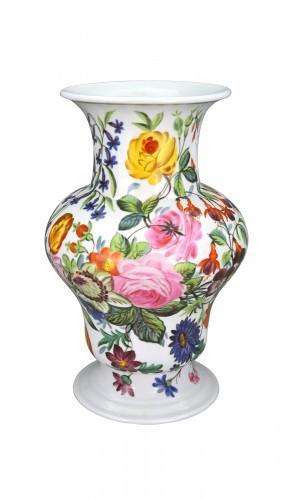 grand vase fleuri. Black Bedroom Furniture Sets. Home Design Ideas