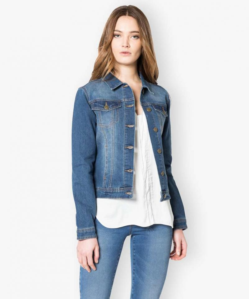 Veste en jean courte, manches longues ONLY -Détails produit • Jean • Coupe droite • Col polo, chemiseComposition et Entretien • 75% coton, 24% polyester, 1% élasthanne • Pour /5(20).