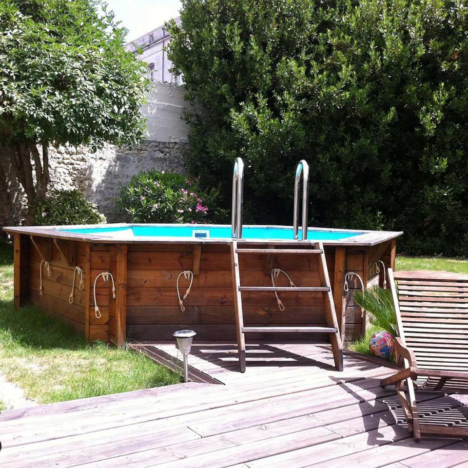 Piscine guide d 39 achat for Piscine bois hexagonale