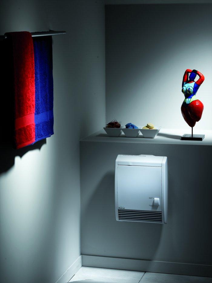 noirot cs che serviettes soufflant helios 2000w avec bar. Black Bedroom Furniture Sets. Home Design Ideas