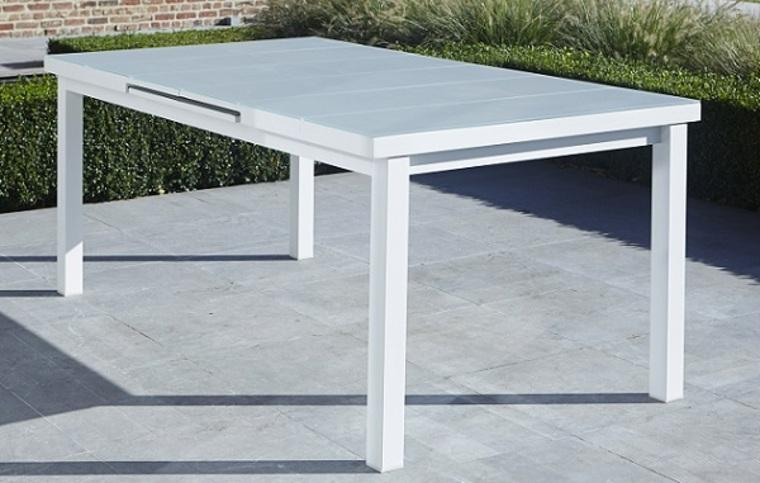 Awesome table jardin aluminium blanc gallery awesome for Table jardin 6 personnes